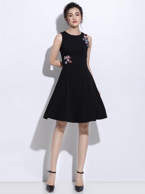 Đầm B990-268C đen