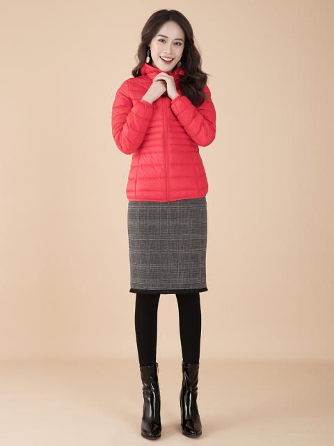 Áo khoác lông vũ B9COA002D đỏ-02